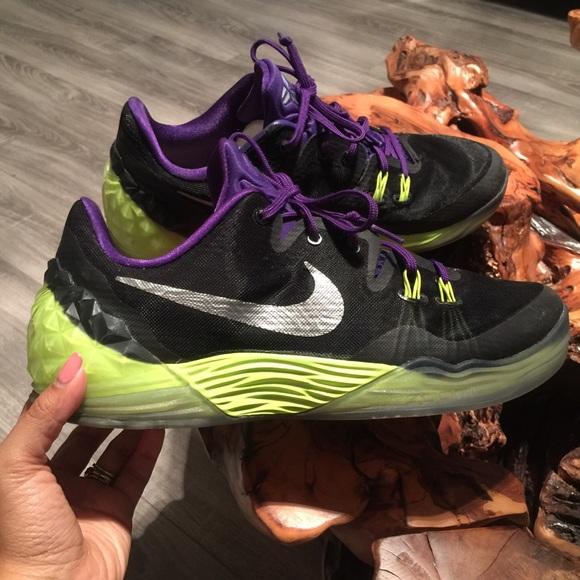 """ee2b04ff44c864 ... Nike Zoom Kobe Venomenon 5 """"Joker"""". M 5ad45b4c5512fd7bd66785f2"""